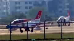 第十二届中国航展将举行 首支飞行表演队抵达珠海
