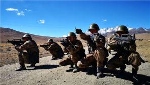 西藏边防某团:海拔4400米 新战士高原拉练初体验