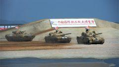 VT4主戰坦克等地面裝備機動演示精彩刺激