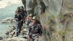 泥石流面前奋力一推 这位叫古努的边防战士应该被记住