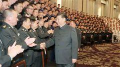 习近平亲切接见驻沪部队副师职以上领导干部