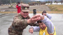 西藏军区某边防团举办军营开放日活动