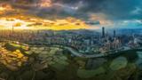"""深圳、香港将在落马洲河套地区共同建设""""港深创新及科技园"""",打造深港合作的战略新支点。"""