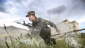 踏着硝烟走上战场:武警某部新兵起步即融入打仗基因