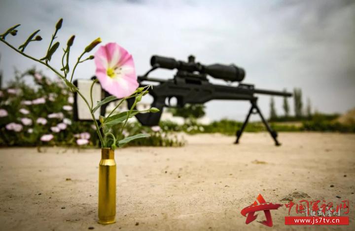 狙击枪,击发只为捍卫正义守卫和平
