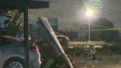 美国:一老式战机坠毁  2人死亡