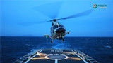 11月上旬,南部战区海军某基地护卫舰支队开展舰机协同训练。连日来,该支队组织舰艇开展跨昼夜舰载直升机起降训练,锤炼全时段舰机协同作战能力。