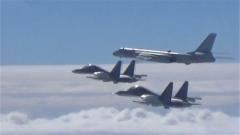 七套纪念封见证空军新航迹