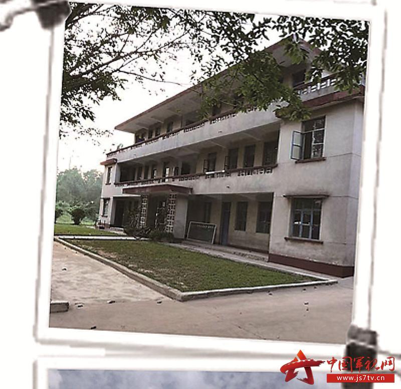 上世纪90年代末,官兵搬进三层小楼1(0)