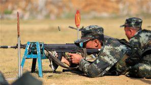 广西:青春上膛 直击武警新兵射击考核