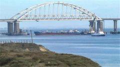 俄呼吁国际组织关注刻赤海峡摩擦