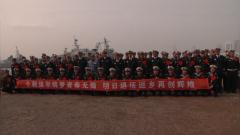 北部战区海军:初冬退伍季 暖意满军营