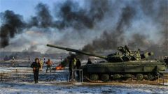 宣布进入战时状态 乌克兰要干啥