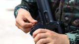 12月4日,武警玉林支队在广西玉林某教导队开展特战等级评定实弹射击科目考核,30余名特战队员围绕突入识别射击、不同距离目标快速狙击、运动后狙击、战斗转换射击、乘车射击、手枪左右手射击等科目展开激烈角逐。