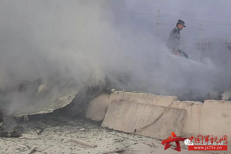 雷达某旅出动人员成功处置民房失火灾情3(0)