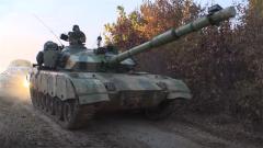 陆军第82集团军组织开展合成旅全要素对抗演练