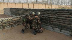 手榴弹实弹投掷训练:让硝烟味常伴兵之初
