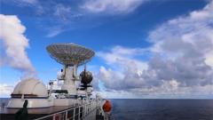 远望号船队大洋接力护送嫦娥四号探测器发射升空
