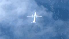 运输机海上超低空飞行,看了忍不住心跳加速
