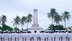 在祖国最南端的烈士陵园 官兵用庄严的仪式向烈士致敬