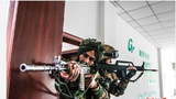中印双方参训官兵进行楼房突入训练。王述东 摄