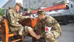 军民融合:军地医疗专家进军营