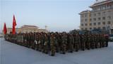 12月18日至20日,驻南疆武警某部交通三支队新兵大队组织新兵野外徒步行军拉练。