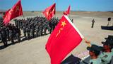 2018的日历悄然翻过,这一年对于新疆军区某红军团来说是极不平凡的一年。图为出征仪式。