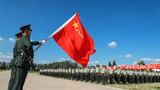 夏秋季退伍老兵面向军旗敬了最后一个军礼,为军旅生涯画上了一个圆满的句号。