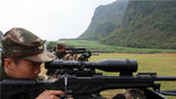 特战队员在进行防护狙击科目考核。