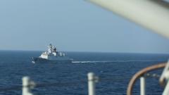 中国海军两批护航编队在亚丁湾分航