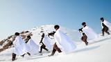 近日,新疆军区某装甲团组织开展冬季适应性训练,锤炼官兵严寒条件下的作战能力。图为开展战术演练。