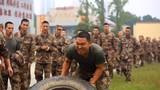 一名战士在军事体育竞技中奋勇拼搏。(刘金桂 摄)