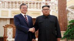 韩国青瓦台:金正恩致文在寅亲笔信