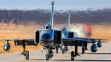 北部战区空军日前将部队拉动到北疆边陲某地,组织严寒条件下作战保障检验性训练,锤炼提升部队冬季作战综合保障能力。冰天雪地里,战鹰要经过什么样的检查才能升空?参加寒训的空军机务兵现在告诉你。