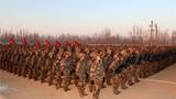 新兵团整齐列队准备开训。