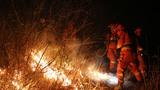 2018年3月,大理凤仪镇发生山林大火,武警大理支队组织官兵昼夜扑救山火。