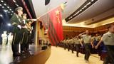 2018年8月30日,武警大理支队举行退伍老兵向武警部队旗敬礼告别仪式。
