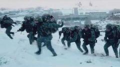 震撼 | 海拔4000米 武警官兵上演极限生存大片