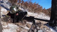 【第一军视】冰上飙车雪地狙击 武警特战队员上演追捕大片