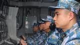 近日,北部战区海军某护卫舰支队组织舰艇编队按照全员额、全要素快速机动,隐蔽航行至黄海某海域,开展为期3天的跨昼夜实战化演练,强化各级指挥员应急处置能力,进一步检验复杂环境下多型装备的作战效能。