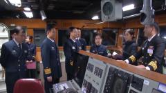 韩国海军舰艇编队结束对上海访问