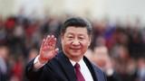 2018年3月20日,第十三届全国人民代表大会第一次会议在北京人民大会堂闭幕。当日下午,习近平等党和国家领导人同出席十三届全国人大一次会议的全体代表合影留念。这是习近平向代表挥手致意。新华社记者 兰红光 摄