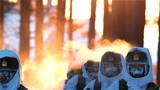 2018年2月5日,驻守在黑龙江省大兴安岭地区漠河县北极村的北部战区陆军某部官兵巡逻间隙展开训练。新华社记者 李刚 摄