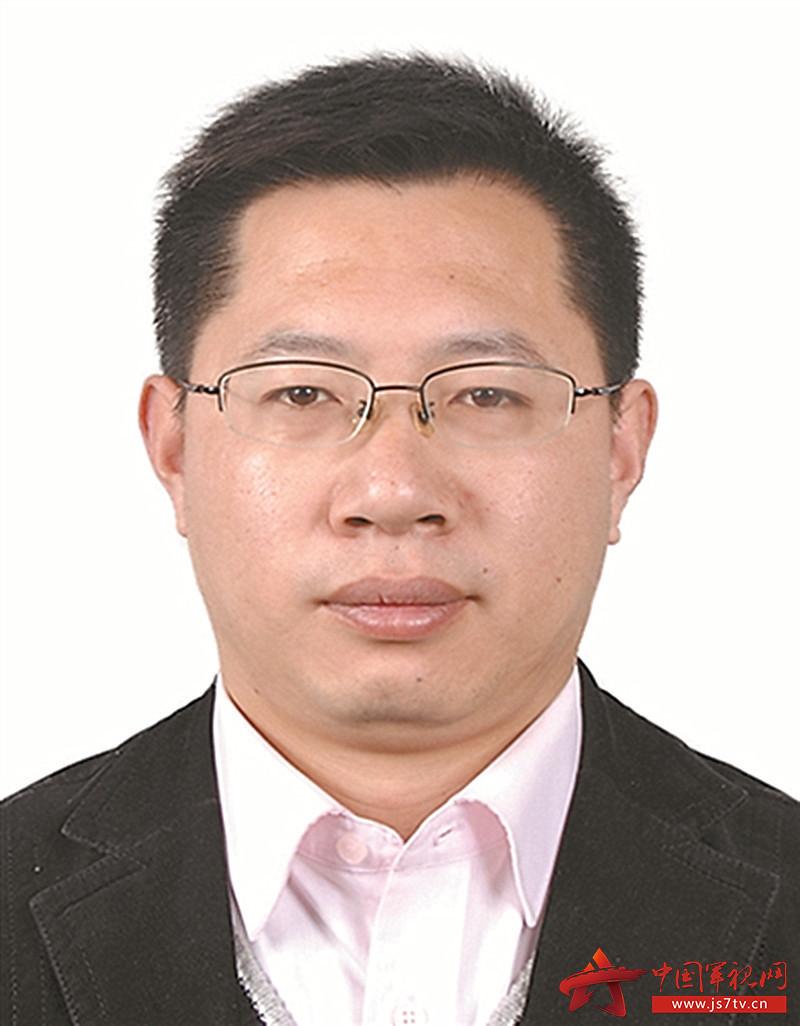 中国政法大学军事法研究所所长、博士生导师(0)  李卫海