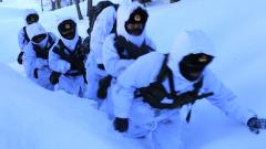 """【第一军视】-37℃ 带你在""""雪海""""中走一趟巡逻路"""
