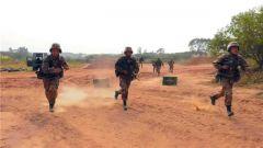 陆军第74集团军某旅:营连主官接受战斗班组考核