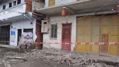 四川荣县:武警官兵全力排险安置受灾群众