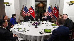 直击特朗普与金正恩的首次社交晚餐:私人晚宴最让人开心