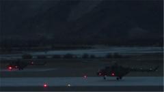 西藏军区陆航:雪域高原 战鹰夜间飞行锤炼作战能力